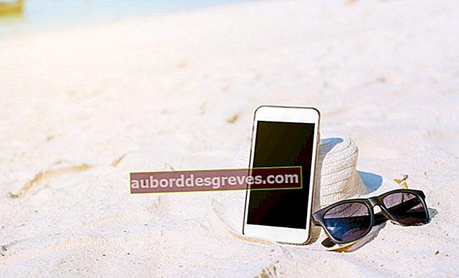 Suggerimenti per pulire uno smartphone caduto nella sabbia