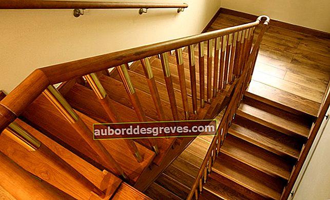계단에서 소음이 나면 어떻게해야합니까?