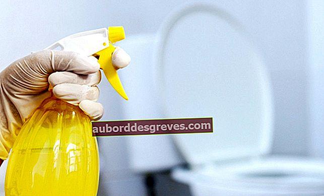 Preparare uno spray purificante per il bagno con l'aceto
